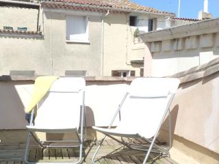Charming 1 bedroom House in Villeneuve les Beziers with Internet Access - Villeneuve les Beziers vacation rentals
