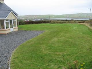 Bright 3 bedroom Portmagee Bungalow with Dishwasher - Portmagee vacation rentals