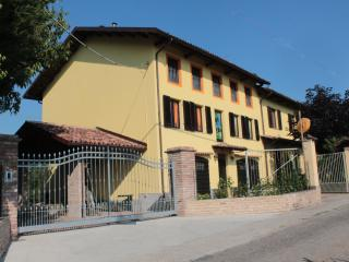 Nice 1 bedroom Apartment in Nizza Monferrato - Nizza Monferrato vacation rentals