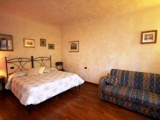 De Castellani Apartment - Florence vacation rentals