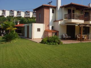 Perfect 2 bedroom Halkidiki House with Internet Access - Halkidiki vacation rentals