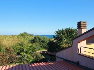 Villa Sant'Elmo a 100 metri dal mare - Costa Rei vacation rentals