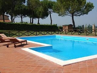 Bright 8 bedroom Magliano Sabina House with Deck - Magliano Sabina vacation rentals