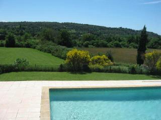 Nice Condo with Internet Access and Television - Aix-en-Provence vacation rentals