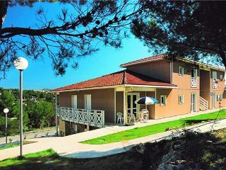 Romantic 1 bedroom Apartment in Carnoux-en-Provence - Carnoux-en-Provence vacation rentals