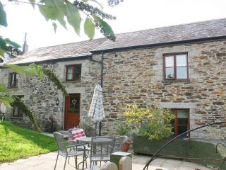 2 bedroom Cottage with Central Heating in St Wenn - St Wenn vacation rentals