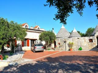 Trulli Castellana - Charming 4 bedroom trullo - Castellana Grotte vacation rentals