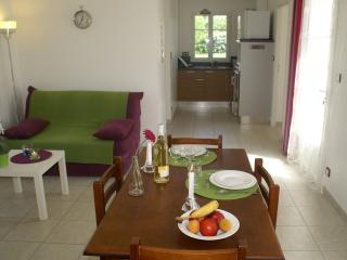 ATLANTIC RESIDENCE villa standard - Jonzac vacation rentals