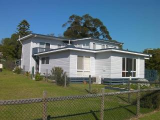 Bright 4 bedroom House in Loch Sport - Loch Sport vacation rentals