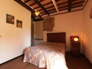 Farmhouse in tiny village Tuscany Trasimeno Lake R - Sant'Arcangelo vacation rentals