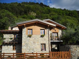Casa Albicocca - Bellano vacation rentals