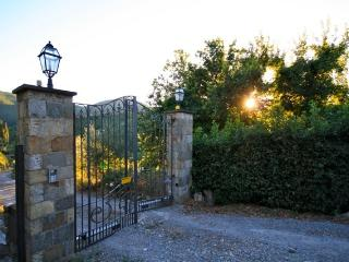 Bright 7 bedroom Vacation Rental in Molino del Piano - Molino del Piano vacation rentals