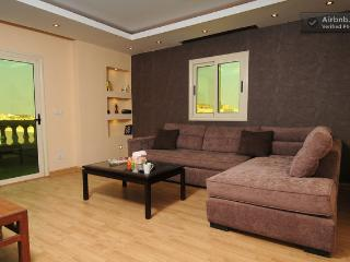 Pyramids Condo Relax Giza including breakfast - Giza vacation rentals