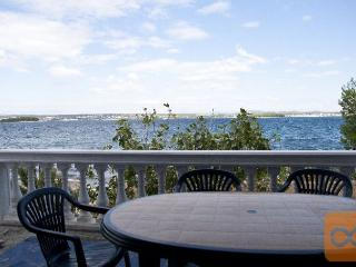 Nice Condo with Parking and Balcony - Tkon vacation rentals