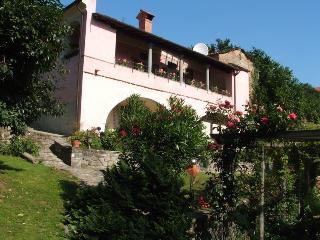 Villa dei Roseti - Pontremoli vacation rentals