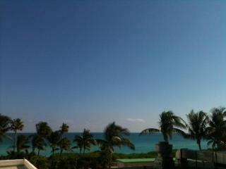 Oceanfront Balcony, King Bed, Pool & Parking! - Miami Beach vacation rentals