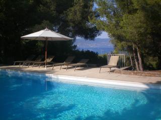 Maison Gaou Bénat - Var vacation rentals