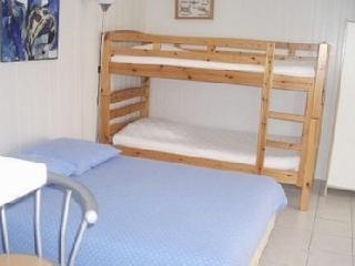 Cozy Bastelicaccia Studio rental with Internet Access - Bastelicaccia vacation rentals