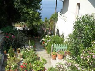 Cozy 2 bedroom Corsica Apartment with Internet Access - Corsica vacation rentals
