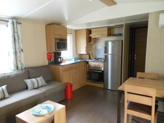 Cozy 3 bedroom Caravan/mobile home in Lyon with A/C - Lyon vacation rentals