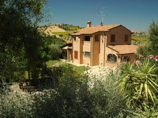 Nice Villa with Internet Access and Television - Monte San Giusto vacation rentals