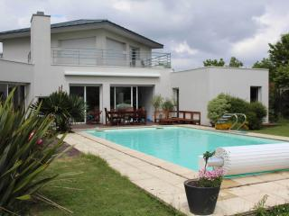 Spacious Bruz House rental with Grill - Bruz vacation rentals