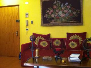 Romantic 1 bedroom Limone Piemonte Condo with Elevator Access - Limone Piemonte vacation rentals