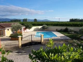 Adorable 5 bedroom Gite in Bourg-les-Valence with Internet Access - Bourg-les-Valence vacation rentals