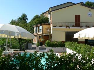 Romantic 1 bedroom Montefortino House with Internet Access - Montefortino vacation rentals
