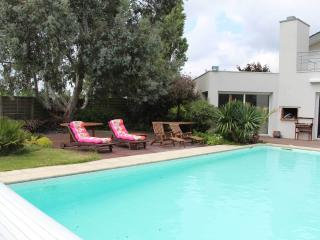 4 bedroom House with Internet Access in Bruz - Bruz vacation rentals