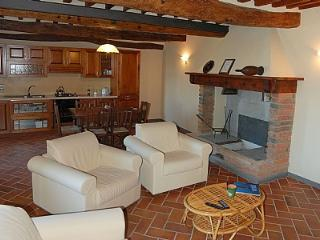 Nice 3 bedroom House in Laterina with Deck - Laterina vacation rentals