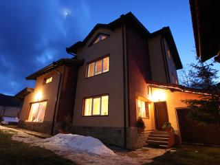 7 bedroom Guest house with Internet Access in Govedartsi - Govedartsi vacation rentals