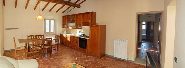 Gorgeous 2 bedroom Vacation Rental in Laterina - Laterina vacation rentals