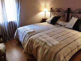 Nice, confort, well connected - Barcelona vacation rentals