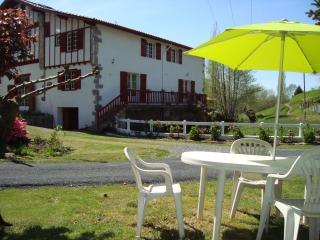 Cozy 2 bedroom Hasparren Condo with Internet Access - Hasparren vacation rentals