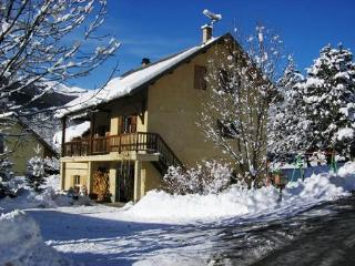 Nice Condo with Internet Access and Satellite Or Cable TV - Les Vigneaux vacation rentals