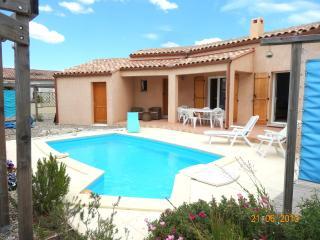 Bright 3 bedroom Sigean Villa with Internet Access - Sigean vacation rentals