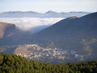 Charming 2 bedroom Apartment in Guejar Sierra - Guejar Sierra vacation rentals