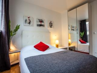 NEW AND FULLY RENOVATED 2BR - Paris vacation rentals