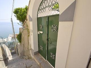 Cozy 3 bedroom House in Praiano with Deck - Praiano vacation rentals