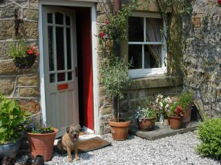 Perfect Cottage with Deck and Internet Access - Eyam vacation rentals