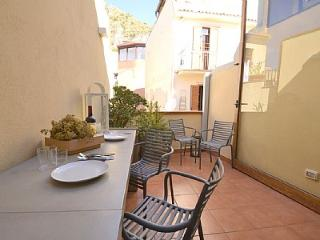 Comfortable 1 bedroom Taormina House with Television - Taormina vacation rentals