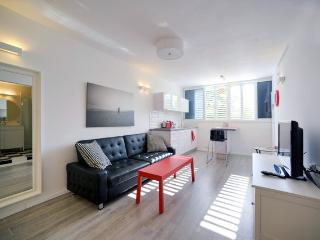 Holiday Apartment in Israel - Tel Aviv District vacation rentals