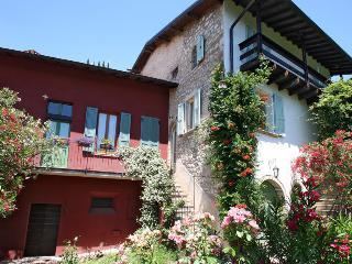 Casa del Tempo Ritrovato B&B - Toscolano-Maderno vacation rentals