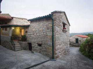 Nice House with Balcony and Mountain Views - Soajo vacation rentals