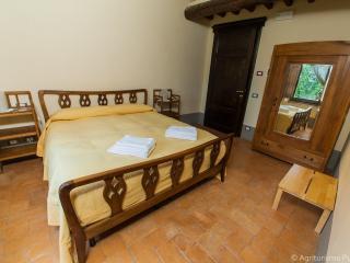 Comfortable 1 bedroom Apartment in Torre Alfina with Internet Access - Torre Alfina vacation rentals