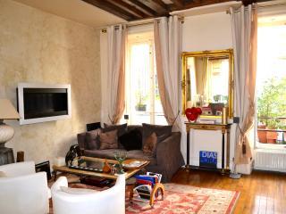 Nice 2 bedroom Condo in Paris - Paris vacation rentals