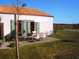 Cozy 2 bedroom House in Olonne-sur-Mer with Internet Access - Olonne-sur-Mer vacation rentals