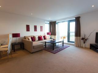 Deluxe 2 Bedroom Apartment - Edinburgh vacation rentals