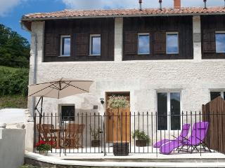 Moulin de la Barde Gites - Le Grand Cornet - Saint-Severin vacation rentals